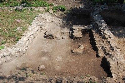 Complexul roman de la Zăvoi - Cimitirul ortodox