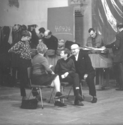 Schallplattenaufnahme Moralitäten (1967) von Hans Werner Henze unter seiner Leitung mit Gewandhausorchester Leipzig und Dresdner Kreuzchor. Lukaskirche Dresden, 10.11.1967