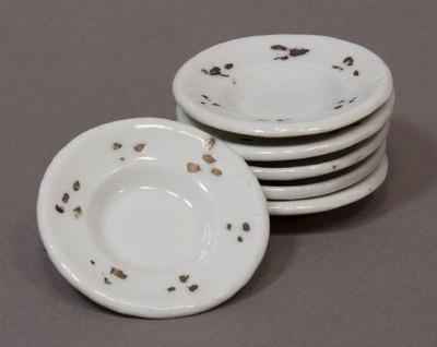 Porcelán étkészlet lapos tányérjai