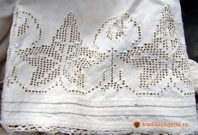 Cămaşă femeiască - detaliu mânecă