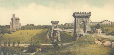 Podul suspendat şi castelul de apă - la 10 ani