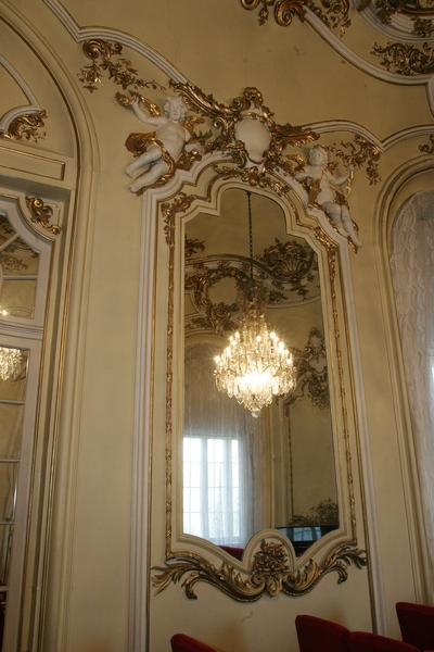 Interior al Muzeului de Artă din Craiova_73