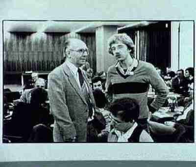 Poppe (links) op een bijeenkomst van OR-informatie
