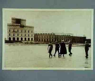 Hitler besucht das Parteitaggelände Text auf der Rückseite