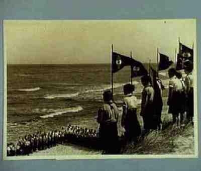 Lager von 800 Mädel aus Berlin. Text am Ruckseite des Bildes