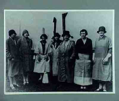Copy from coll Nat Mus of Labour History General strike: Lady Astor and female volunteers