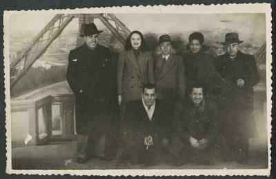 Le personnel du cabaret La Casbah, Tour Eiffel, Paris, France,.
