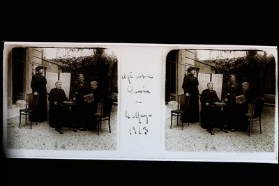 Grup de quatre dones a la casa d'Enrique Barrie
