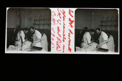 El Dr. Turull operando en N. S. del Pilar