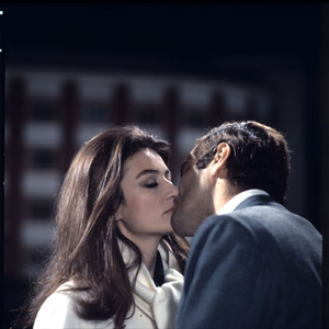 Anouk Aimée e Omar Sharif in La virtù sdraiata (Sidney Lumet, 1969)