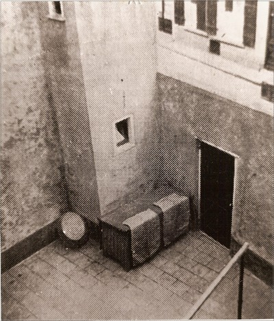 Na een vuurgevecht met de SS vond Cornelis Ruizendaal geboren 17 mei 1909, leider van de Aaltense KP, op 20 april 1944 de dood in een konijnenhok op een binnenplaats achter het huis van de familie Gastelaars in Doesburg waar hij zich had verscholen. Uit het boek Aalten in Oorlogstijd van J.G. ter Horst