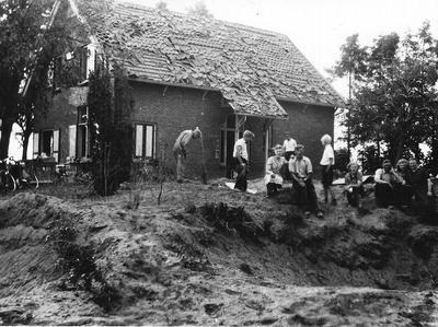 Een viertal bommen viel in de Varsseveldsestraat in Aalten nabij villa Jannie in de nacht van 8 op 9 juni 1941. Uit het boek Aalten in Oorlogstijd van J. G. ter Horst