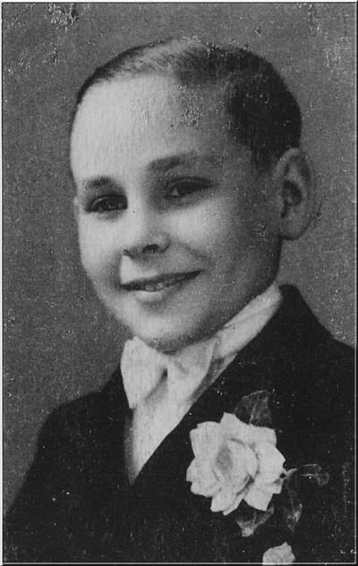 Foto van één van de uit Duitsland gevluchte Fransen in 1945. Deze Milou stond in zijn land bekend als de zanger van Bordeaux. Uit het boek Aalten in Oorlogstijd van J.G. ter Horst