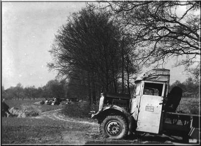 Drie stukken geschut en een gesneuvelde militair werden door de Duitsers nabij Klein Zwitserland in Dale op 30 maart 1945 achtergelaten. Uit het boek Aalten in Oorlogstijd van J.G. ter Horst