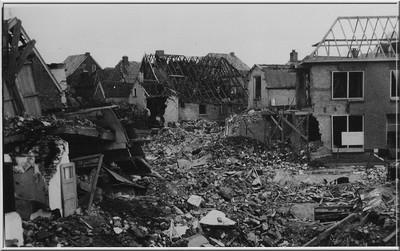 Na het bombardement in de Kruisstraat in 1945. Uit het boek Aalten in Oorlogstijd van J.G. ter Horst