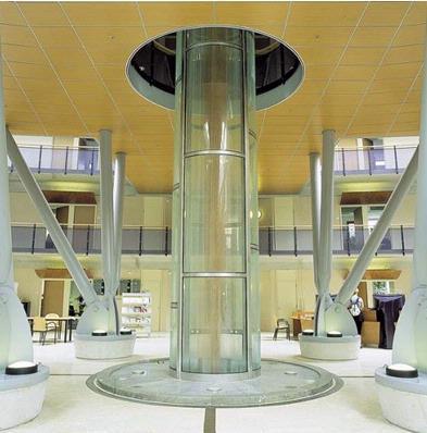 Op het kruispunt van de Energielijnen die onderdeel zijn van het kunstwerk van Rob Sweere staat in de hal van het gemeentehuis een ander kunstwerk, getiteld Respiro (Italiaans voor 'adem'). Het wordt door de kunstenaars ook wel de 'long' van het gebouw genoemd. Er stroomt constant verse lucht langs de ronddraaiende houten spiraal. Aan de buitenzijde van de glazen kolom stroomt water. Het object regelt zodoende op natuurlijke manier de lucht- en waterhuishouding van het gebouw. Naast deze functie heeft het werk een autonome artistieke waarde. De monumentale spiraal is een aandachtpunt in de grote ontvangsthal.