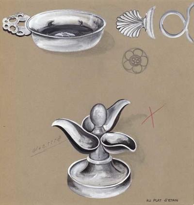 Ontwerptekening van een pijprust, voor drie pijpen, op brede voet, de schacht is versierd met een horizontale band in reliëf en een knop bovenop. Rechtsboven een asbak met versierde, opengewerkte, handgreep, rechts daarnaast twee tekeningen van handgrepen.