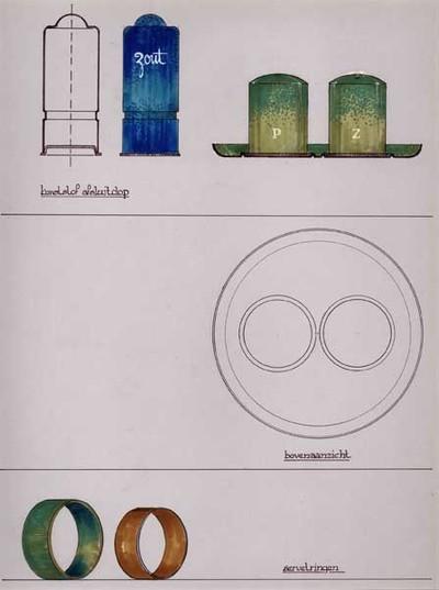 Ontwerptekening van een peper- en zoutstel; links een doorsnede van een zoutvaatje, strak cilindermodel met een versmalde band op 1/3 van de onderkant, bolle afsluitdop van kunststof; daarnaast hetzelfde exemplaar in blauw. Rechts, in groen, een peper- en zoutstel, met de letters P en Z, op een rond blaadje. Daaronder een bovenaanzicht van hetzelfde peper- en zoutstel. Onderaan twee servetringen in groen en bruin.