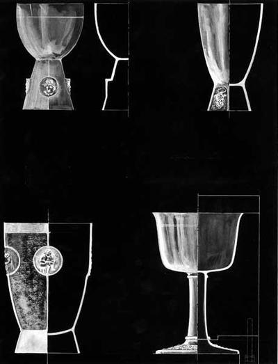 Ontwerptekening van vier verschillende kelken met decors in reliëf en een dwarsdoorsnede van elke kelk.