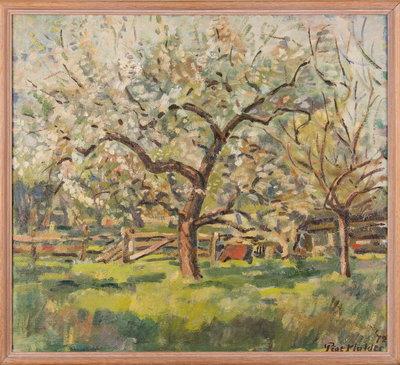 Olieverf schilderij met bloeiende boomgaard. Onder de bomen door is een hekwerk te zien. Het is de boomgaard van Philipsen te Geldermalsen. Het doek zit in een beukenhouten geprofileerde lijst.