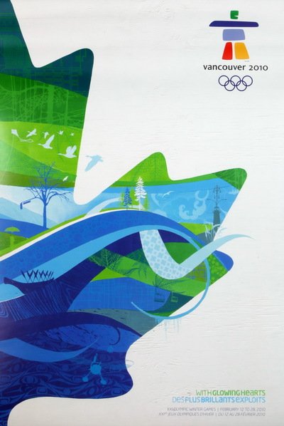 De poster van de Olympische Winterspelen 2010 Vancouver. In de linker bovenhoek staat het logo van de Olympische Winterspelen 2010. Gedurende eeuwen stapelden de Inuit van het Canadese poolgebied stenen op elkaar in de vorm van een mens om aldus de inukshuik te maken, wegwijzers die richting aangaven over het ganse Noorden. Het embleem van de Vancouver 2010 Olympische Winterspelen is een hedendaagse interpretatie van de inukshuik. Het wordt 'Ilanaaq' genoemd wat het Inuit woord voor vriend is. Ilanaaq geeft de vriendelijkheid weer, de ziel en de dromen van Canada voor de Olympische Winterspelen. Het logo is ontworpen door Elena Rivera MacGregor. Aan de linkerzijde van de poster staat een half eikenblad. Dit is boven groen ingevuld en onder blauw. In het blad staan afbeeldingen van natuur, zoals ganzen en bomen. Rechts onder staat de inscriptie 'WITHGLOWINGHEARtS / DESPLUSBRILJANTSEXPLOIT / XXI OLYMPIC WINTER GAMES FEBRUARY 12 TO 28, 2000 / XXIes JEUX OLYMPIQUES D'HIVER DU 12 AU 28 FEVRIER 2010'.
