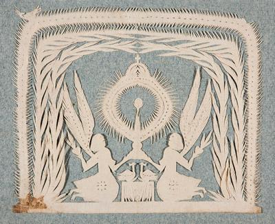 Het knipsel toont een altaar met twee vogels en ernaast twee knielende engelen, die een monstrans met daarin een hostie vasthouden. Het geheel wordt omgeven door bladranken.