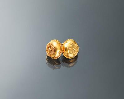Paar gouden keelknopen, Friesland, 1800-1835