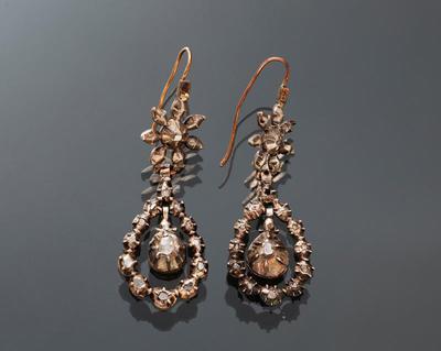 Paar oorbellen met diamantjes, Utrecht