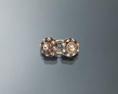 Paar zilveren keelknopen, Volendam, circa 1875