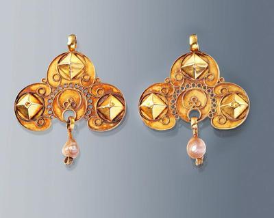 Paar gouden 'strikken', Walcheren, 1853-1906