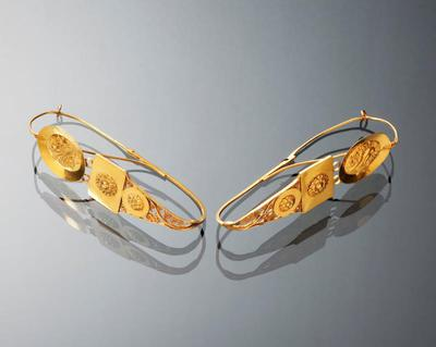 Paar gouden oorhangers, Friesland, 1800-1900
