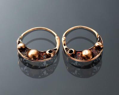 Paar gouden oorringen, Volendam, 1853-1906