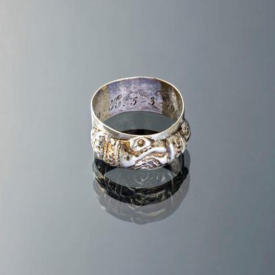 Zilveren ring, 'handjes-samen', Marken, 19e eeuw