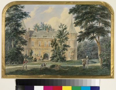 Het van oorsprong Middeleeuwse kasteeltje het Oude Loo, gelegen in het paleispark, sprak bijzonder tot de verbeelding van de schilders van de Romantiek. Een aantal van hen maakte het tot onderwerp van schilderij of aquarel, maar ook koningin Wilhelmina was onder de bekoring van het pittoreske Oude Loo en koos het herhaaldelijk tot onderwerp van haar schilderijen, waterverven en foto's. De Haagse kunstenaar Bartholomeus Johannes van Hove (1790-1880) was een van de beste schilders van landschappen en stadsgezichten van de Nederlandse Romantiek. Hij combineerde topografische accuratesse met sfeertekening. Om zijn taferelen te verlevendigen bevolkte hij deze met talloze figuurtjes en dieren. Al deze kwaliteiten komen duidelijk naar voren in zijn beide aquarellen van het Oude Loo. De architectuurdetails zijn tot in de kleinste bijzonderheden correct. Deze tekening geeft de negentiende-eeuwse situatie van het Oude Loo weer, nadat de slotgracht in 1806 op last van koning Lodewijk Napoleon was gedempt. De tekening is ongetwijfeld in de zomer ontstaan. Dromerig ligt het kasteeltje te soezen in de middagzon, beschut door het dichte bladerdak van de omringende bomen. Maar er is ook activiteit. Er zijn tuinlieden aan het werk en rechts staan twee mannen, de een met een stuk papier in de hand, de ander gekleed in een licht zomerpak. Het is koning Willem III, die meekijkt wanneer Bart van Hove zijn schetsen maakt. De koning en de kunstenaar hadden elkaar leren kennen doordat Van Hove de vaste decorschilder was van de Haagse schouwburg. Als operaliefhebber en regelmatige bezoeker van het theater had de koning deze met eigen ogen aanschouwd. In 1851 verleende hij Van Hove de opdracht voor de decoratieschilderingen in de vernieuwde Comediezaal in Het Loo. Het resultaat viel kennelijk in de smaak, want het leverde de kunstenaar niet alleen een koninklijke onderscheiding op, maar ook het predicaat 'hofschilder'. Als aandenken zal Bart van Hove deze waterverftekeningen van het Oude Loo