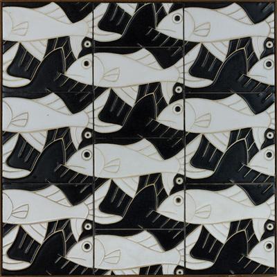 Maurits Escher ontwierp in 1960 deze tegels voor de gevel van een woonhuis aan de Dirk Schäferstraat in Amsterdam. De uitvoering is in cloisonné-techniek, dat wil zeggen dat de lijnen van de tekening een reliëf vormen. De verdiepte kleurvlakken zijn in zwart en wit uitgevoerd.