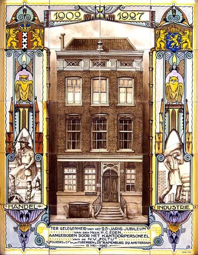 Dit tableau is gemaakt ter gelegenheid van het 25-jarig jubileum van de heer Eden. Centraal, boven de opdrachttekst, is het kantoorgebouw van de N.V. Foltu aan het Rapenburg 29 in Amsterdam afgebeeld. Aan weerszijden zijn voorstellingen van Handel en Nijverheid geschilderd.