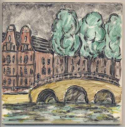 De keramiste Lea Halpern, geboren in Oostenrijk, studeerde en werkte in Nederland tot zij in 1940 naar de Verenigde Staten trok. In de laatste periode van haar leven kon zij door een ongeval geen vazen of beeldjes meer maken. Op zeer bescheiden schaal ging zij toen voor zichzelf en voor vrienden blanco tegels beschilderen. De voorstellingen op de tegels geven een indruk van Amsterdam zoals zij het zich herinnerde van voor 1940.