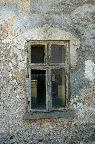 Doubravník,  inventarizace MPZ, okno domu usedlosti  čp. 43
