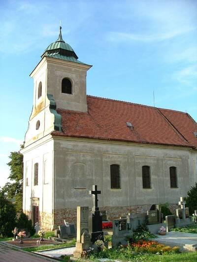 Roštín, (hřbitovní) kostel sv. Jakuba, J od obce, pohled z J