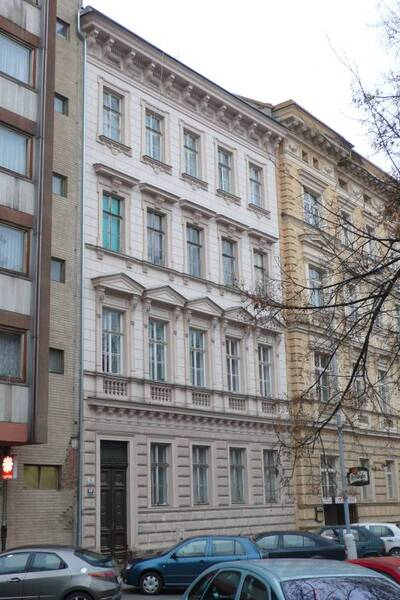 Brno, okres Brno-město, činžovní dům č.p. 1930, třída Kapitána Jaroše č.o. 11, pohled na uliční průčelí