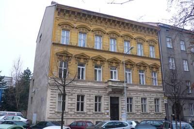 Brno, okres Brno-město, činžovní dům č.p. 1936, třída Kapitána Jaroše č.o. 19, pohled na uliční průčelí