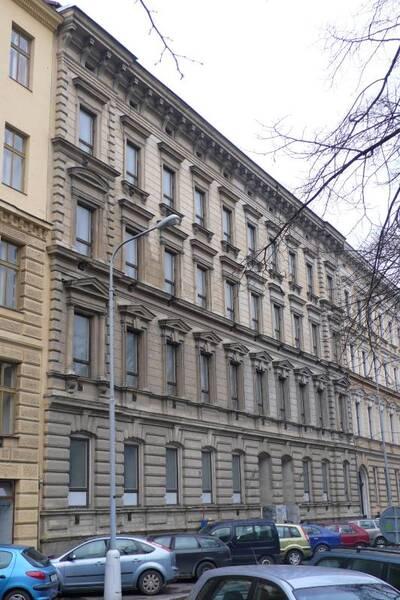Brno, okres Brno-město, činžovní dům č.p. 1950, třída Kapitána Jaroše č.o. 41, pohled na uliční průčelí