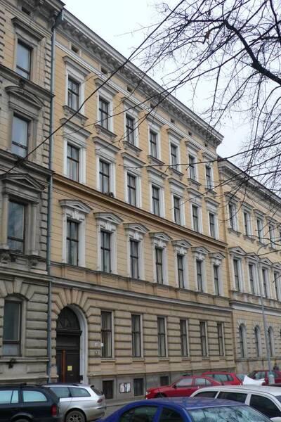 Brno, okres Brno-město, činžovní dům č.p. 1951, třída Kapitána Jaroše č.o. 43, pohled na uliční průčelí