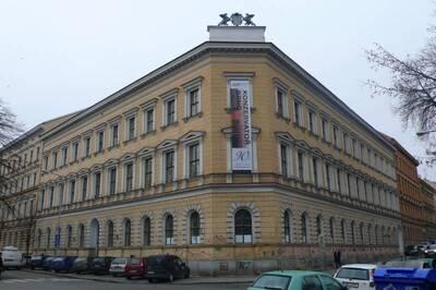 Brno, okres Brno-město, bývalý Německý učitelský ústav č.p. 1890, Lužánecká č.o. 14, třída Kapitána Jaroše č.o. 45, pohled na ul...