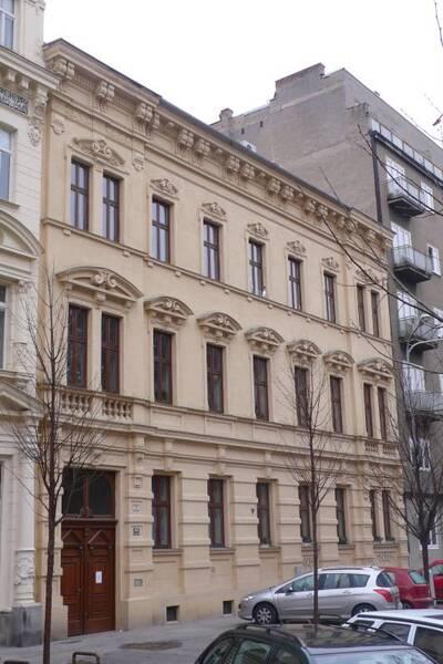 Brno, okres Brno-město, činžovní dům č.p. 1925, třída Kapitána Jaroše č.o. 6, pohled na uliční průčelí