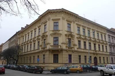 Brno, okres Brno-město, činžovní dům Eduarda Exnera č.p. 1850, Kudelova č.o. 2, třída Kapitána Jaroše č.o. 12, pohled na uliční ...