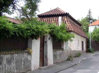Praha 4, Podolí, č.p. 1, Pod Vyšehradem 3, katovna, V fasáda