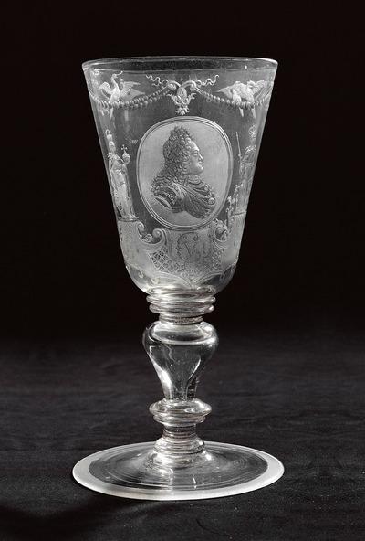Pokal mit Portrait Karls VI.