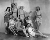 Gruppo di ballerine in costume di scena