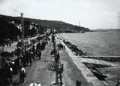 Barcola, la passeggiata (immagine commissionata da Delia Benco per il Lloyd Triestino - rivista Sul Mare)